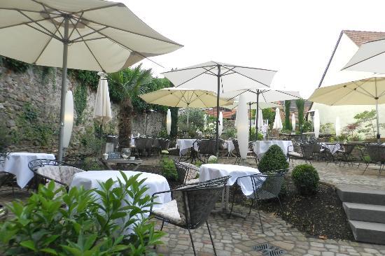 Die Reichsstadt GmbH: Breakfast in the garden