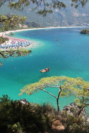 "Plage d'Oludeniz (Lagon bleu) : The view of ""The Blue Lagoon"""