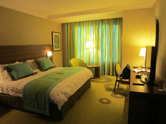 Safir Hotel and Residences Kuwait: Inside the room