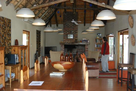 Toro Yaka Bush Lodge: Inside the Lodge