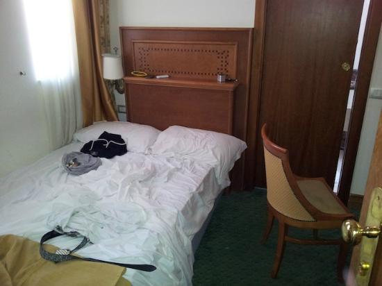 Sunrise Hotel: sgabuzzino 2