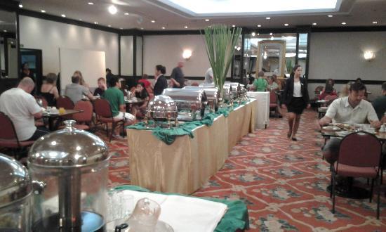 Rembrandt Hotel Bangkok: Reichhaltiges Frühstücksbuffet