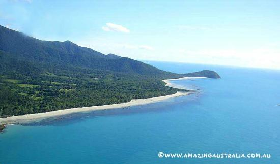 Rainforest Hideaway: Aerial view of Cape Tribulation