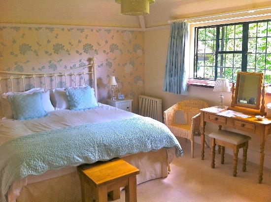 Highwoods Farm B and B: The Cooden Suite - ensuite
