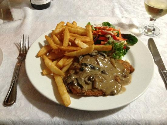 Ulverstone, Australië: Schnitzel with Mushroom Sauce