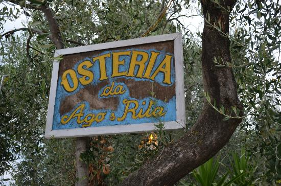 Osteria Ago e Rita: szyld przed wejściem