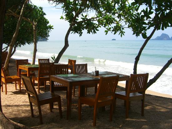Krabi Resort: Dining at Beach side