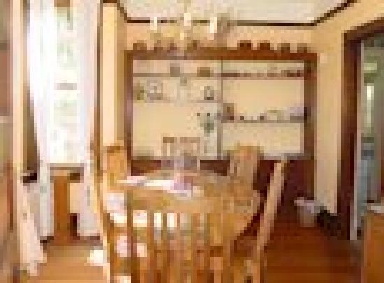 Olde Staunton Inn: Dining room