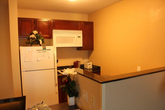 Homewood Suites by Hilton Boston/Andover: Kitchen area in the King room