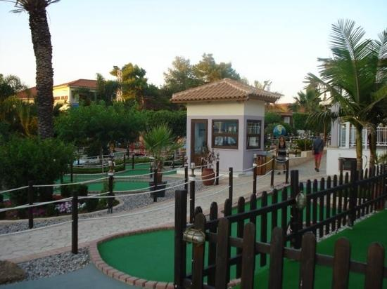 Argassi, Grecia: mini golf