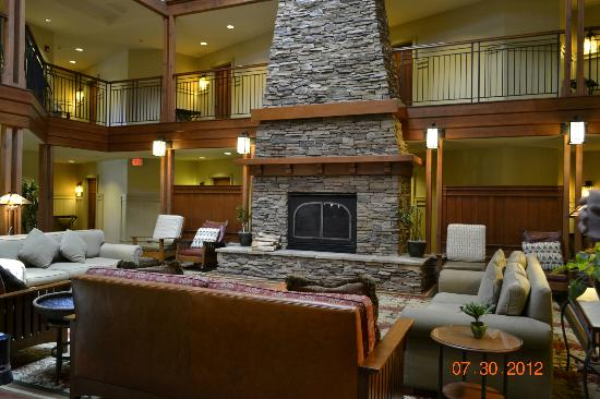 Avila Village Inn: lobby