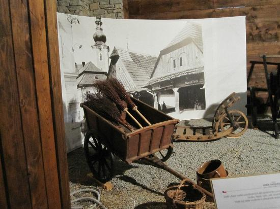 Wallachian Open Air Museum: Equipment in the water mill valley museum
