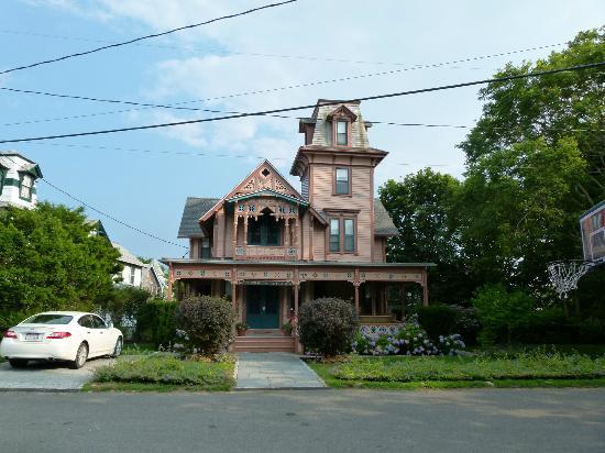 """Oak Bluffs Inn : Une """"Ginger Bread House"""" d'Oak Bluffs"""