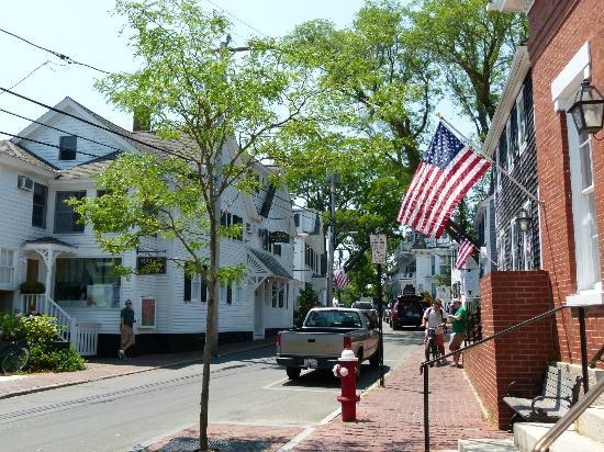 Oak Bluffs Inn: Edgar Town - plus Formelle et snob qu'Oak Bluffs