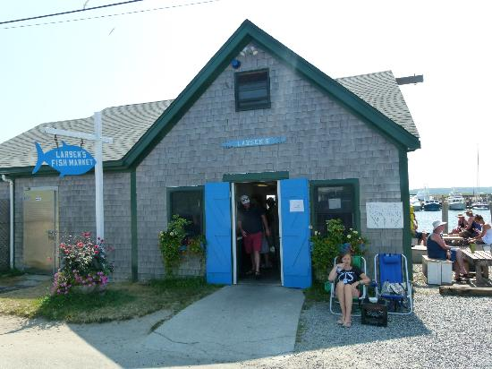 Oak Bluffs Inn: Larsen's Market Fish - Les meilleurs homards !!! Simple mais excellent.