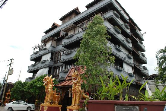 Singha Montra Lanna Boutique Style: 4rooms*5floors