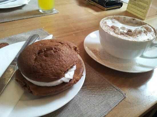St Martins Tea Room & Grill: whoopie pies at st Martin's tea room & grill