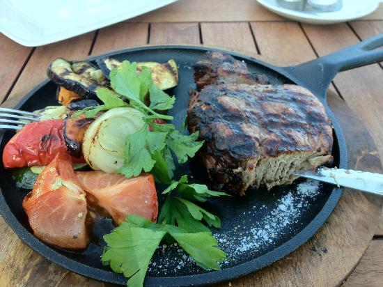 Pushkarskaya Sloboda Hotel : Great steak