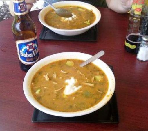 La Cacerola: sopa de tortilla!! mmmmmm...
