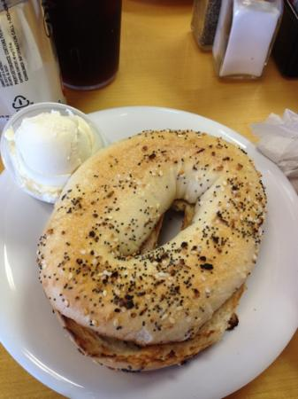 Broadway Bagels North