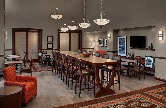 Hampton Inn & Suites Salem 사진