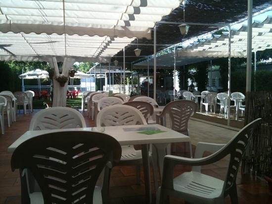 Restaurante la Piscina: terraza