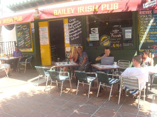 The Bailey Irish Pub : getlstd_property_photo