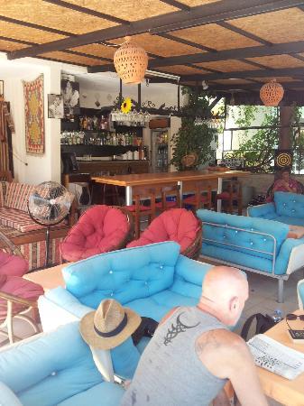Donmez Hotel: bar