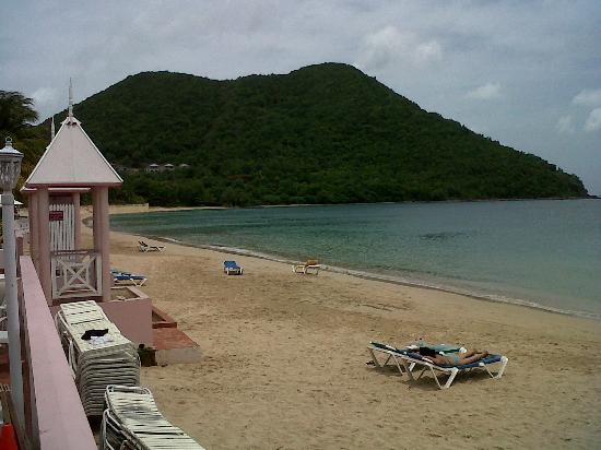 St. Lucian by Rex Resorts: St Lucian's fabulous beach front location