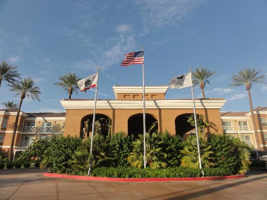 Homewood Suites by Hilton La Quinta: Front of hotel