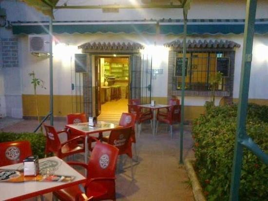 La Monda Bar Restaurant: terraza