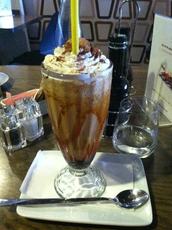 Oblico Cafe' : best Iced coffee by Roderich Baldacchino