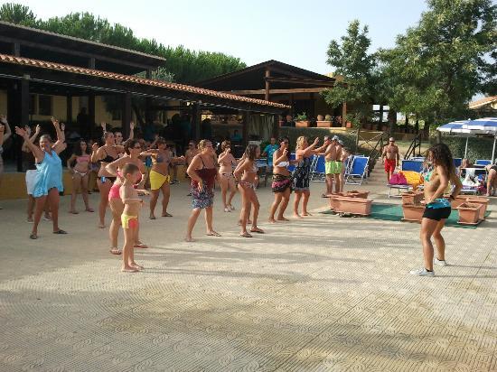 L'Oasi Di Selinunte - Club Marmara Sicilia: Scéance ZOUMBA avec Daniella