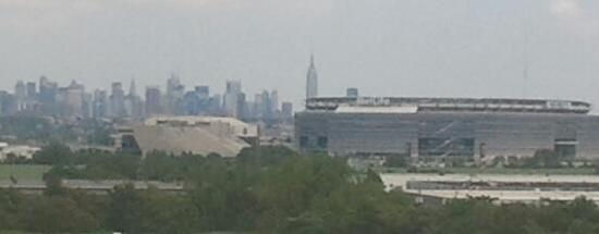 Homewood Suites by Hilton East Rutherford-Meadowlands: East-facing room viewing Manhattan Skyline