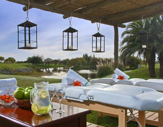 area de tratamientos del real spa al aire libre picture