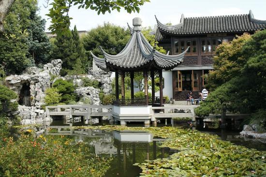 Asian moon restaurant garden city