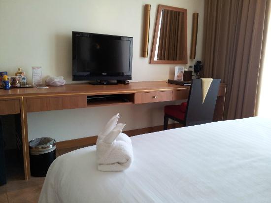 Centara Nova Hotel & Spa Pattaya: 电视
