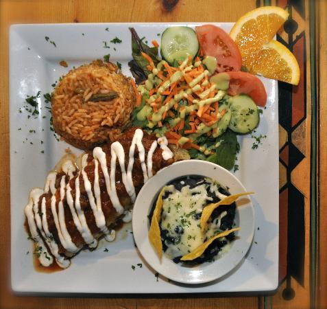 Auberge Casa de Mateo: Delightful Mexican main dish (Enchilada Mexicana)