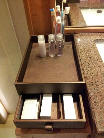 Centara Nova Hotel & Spa Pattaya: Centara系列饭店都会有的卫浴用品。