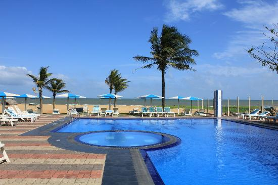 Rani Beach Resort: View from the pool