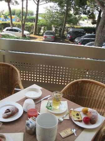 Hotel Ambassador: veranda ristorante