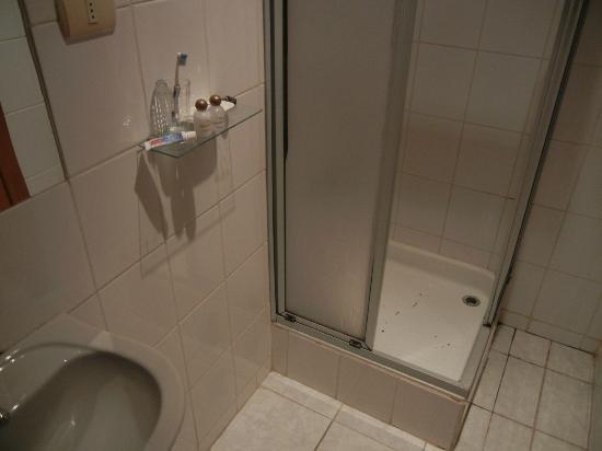 the very small shower stall - Picture of Hotel Da Vinci Valparaiso ...
