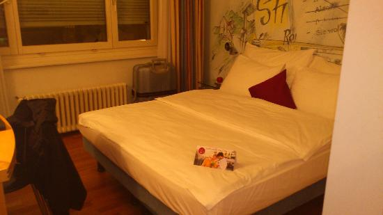 Leonardo Boutique Hotel Rigihof Zurich: clean and comfortable bed