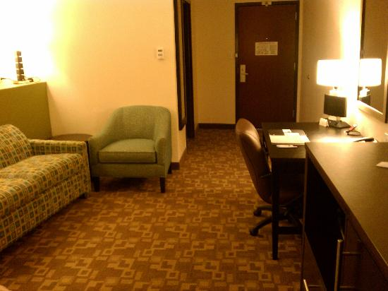 Comfort Suites Lake City: View of the room from the bed...