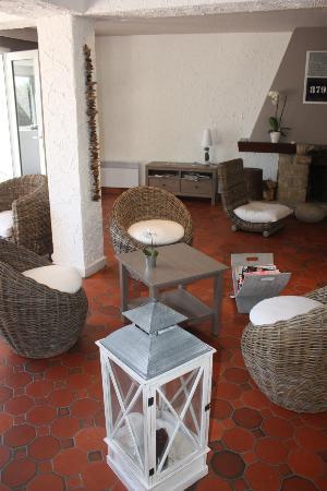 Latitude Ouest Hotel & Restaurant: Le Salon