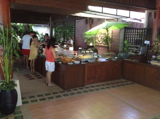 Baan Chaweng Beach Resort & Spa: the breakfast buffet