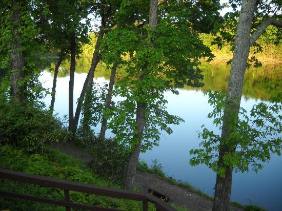 Pocono Palace Resort: Lake at Pocono Palace