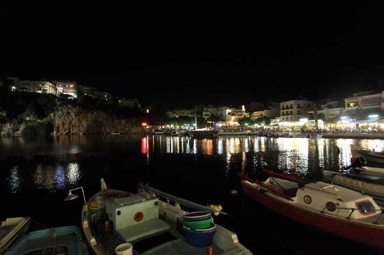 Creta Hotel : port la nuit