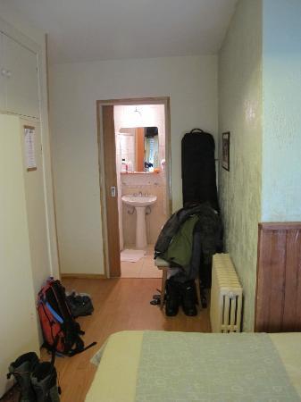 Hosteria Sur: Small room but OK
