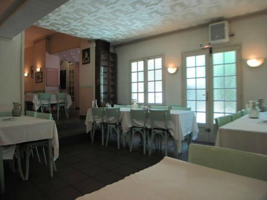 Photo of Hotel-Restaurant Chalet Des Edelweiss Lourdes
